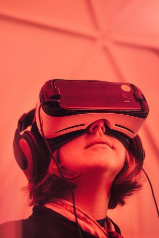VR Headsets Become Actual Reality